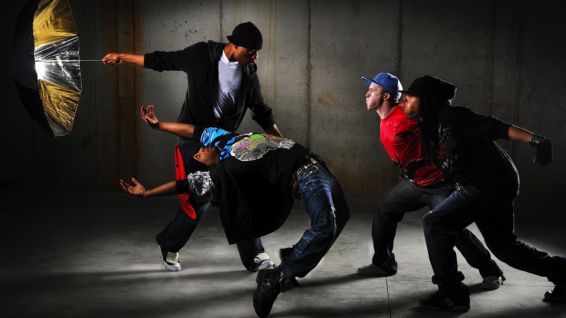 Почему полезно заниматься танцами хип-хоп?